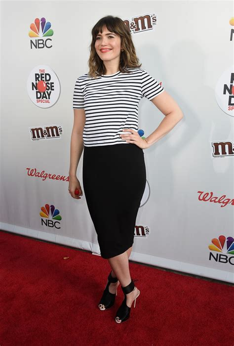 mandy moore pencil skirt mandy moore  stylebistro