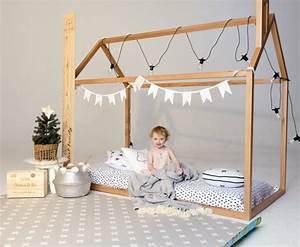 Lit Montessori Cabane : lit cabane montessori dites adieu l 39 ancien lit barreaux ~ Melissatoandfro.com Idées de Décoration
