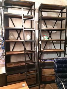 Etagere Echelle Bureau : etag re biblioth que industrielle avec chelle fer et bois 2 tiroirs ~ Teatrodelosmanantiales.com Idées de Décoration