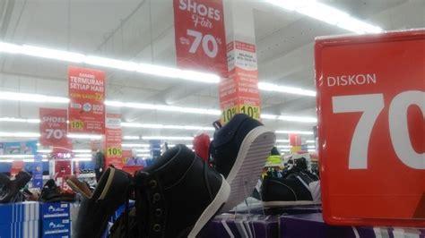 harga sepatu di carrefour paragon mall ini didiskon