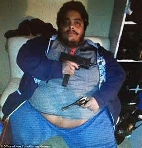 Gangster nicknamed 'Wobbles' charged with smuggling nearly ...