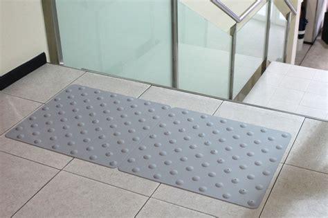 tapis dalle podotactiles