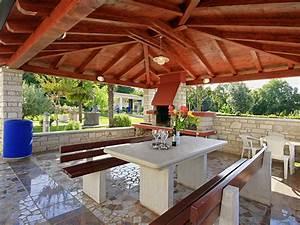 Grillplatz Garten Ideen : ferienwohnung gulic 2 porec istrien kroatien frau tatjana gulic pisarevic ~ Markanthonyermac.com Haus und Dekorationen