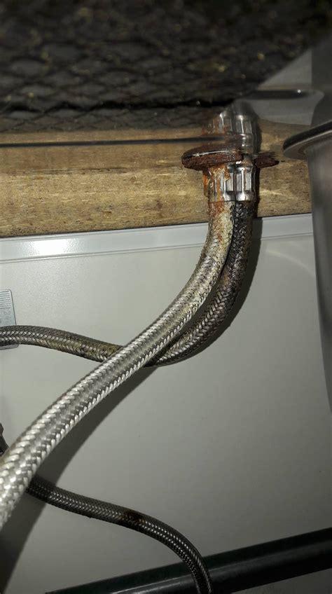 sostituzione rubinetto cucina sostituzione rubinetto cucina e tubi portano acqua al