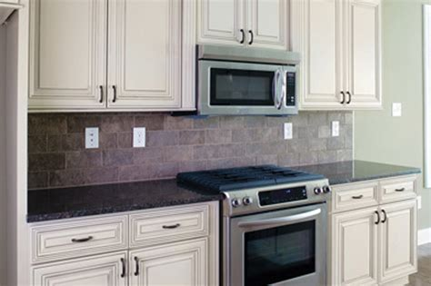 HERITAGE MADISON WHITE   Kitchen Cabinets   Surplus Warehouse