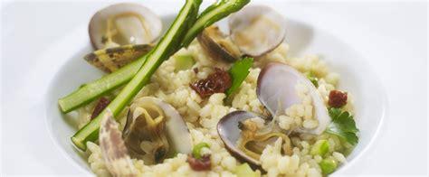 cuisiner des asperges vertes recette de chef pascal fayet présente sa recette