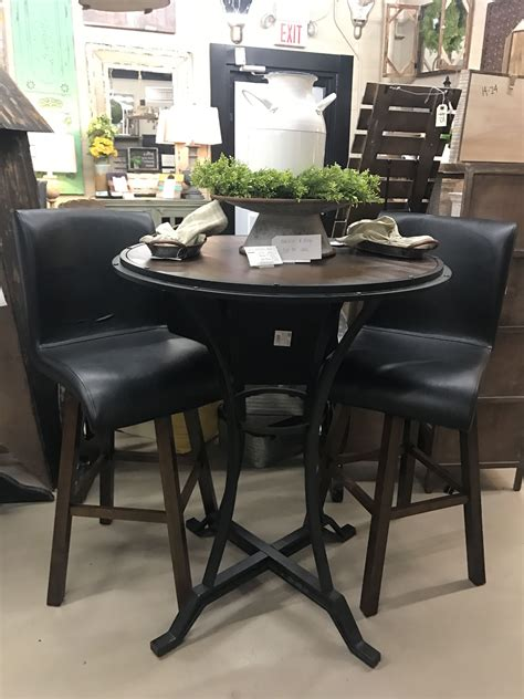 finding unique dining for small spaces can be our
