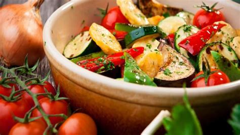 plats de cuisine cuisine recette de la ratatouille plats cuisine vins