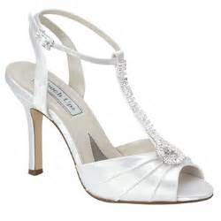 wedding shoes white the sparkling style of white wedding shoes wedding planning