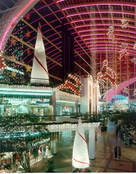 shopping mall holiday decorations   indoor holiday