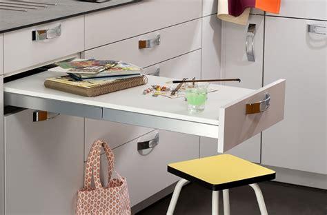 poubelle coulissante cuisine petits aménagements malins pour la cuisine darty vous