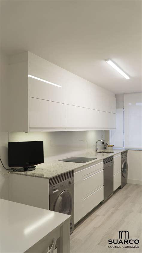 cocina blanca  encimera de granito cocinas suarco