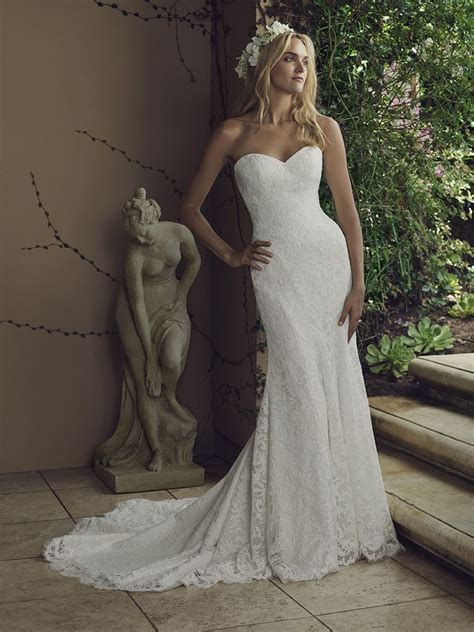 style  water lily casablanca bridal