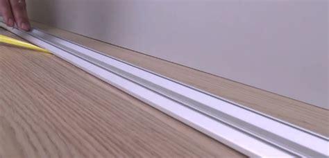 modele de chambre a coucher simple portes de placard suspendues ou sur rail centimetre com