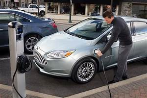 New Ford Focus Electric  Plug