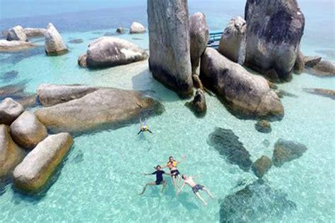 pulau batu berlayar belitung pantai unik  batu