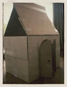 Haus Aus Pappe Basteln : basteltipp wir basteln ein papphaus aus grossen kartons k ken nest ~ A.2002-acura-tl-radio.info Haus und Dekorationen