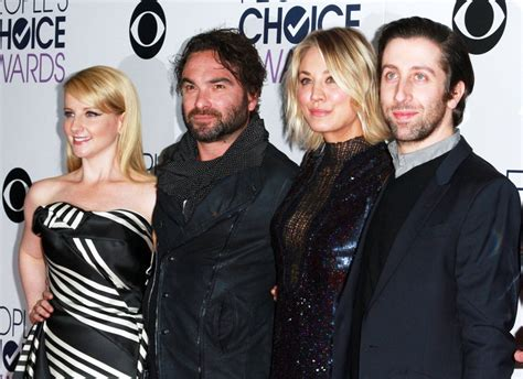 johnny galecki swimsuit kaley cuoco picture 274 people s choice awards 2016