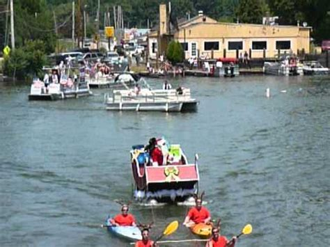 Akron Boat Show by Santa In July Boat Show Portage Lakes Ohio