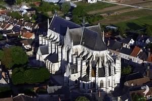 Clery St Andre : survol en montolfiere basilique cl ry saint andr ~ Medecine-chirurgie-esthetiques.com Avis de Voitures