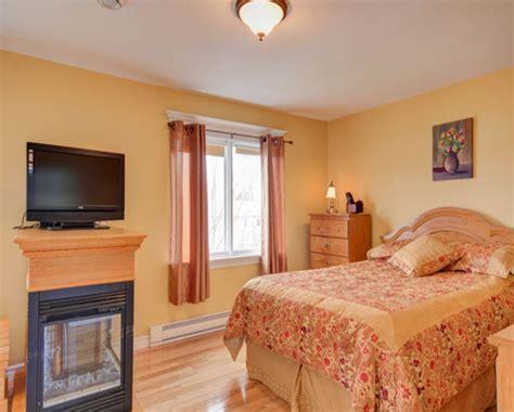Bedrooms Paint For A Small Bedroom On A Light Orenge Color Bedroom Orange Bedroom Walls On Burnt
