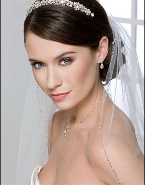 Half Up Wedding Hairstyles With Tiara by Half Up Half Wedding Hairstyles With Tiara And Veil