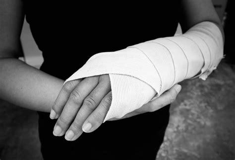 gospel apply   injury key ministry