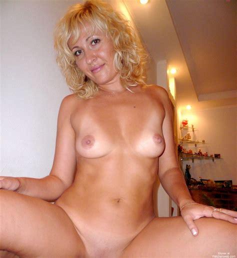 Watchersweb Amateur Milf Mom Sexy Exposing Hot Body