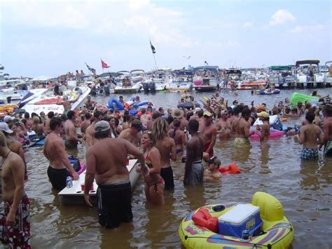 Party Boat Fishing Sebastian Fl by Lets See Some Raft Up Sandbar Parties The Hull Truth