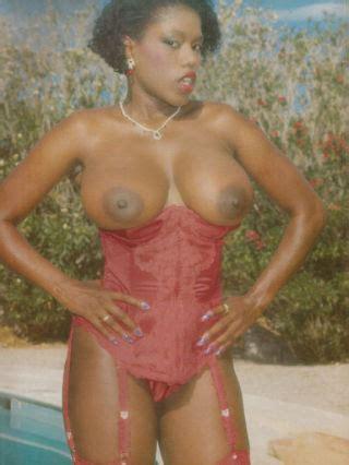 Retro Black Pornstar Ebony Ayes Fucked In Vintage Interracial Se Pichunter