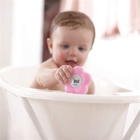 thermomètre chambre bébé thermometre bébé de bain et chambre de avent philips