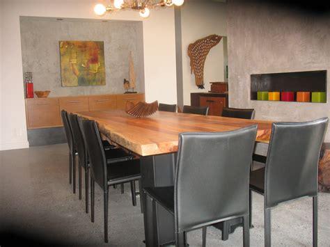table cuisine bois exotique table à diner en bois exotique organique suar live edge