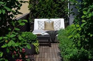 une cour arriere avec une terrasse en bois integrant un With photo amenagement paysager exterieur 2 amenagement dune terrasse en palier multiple plani paysage