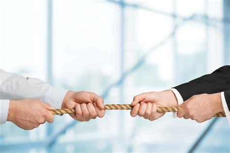 survey    employers struggle  compete