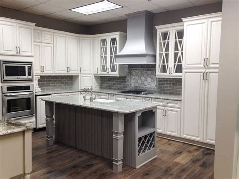 kitchen demo wellborn cabinets  glacier java  dove