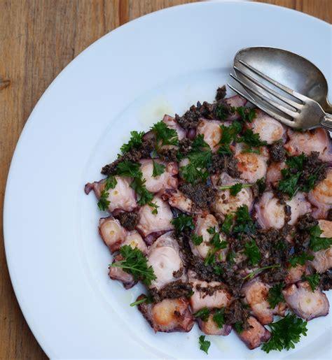 cuisiner le poulpe recettes carpaccio de poulpe olivade