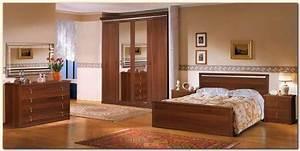 modele de chambre a coucher en bois meuble oreiller With les chambre a coucher en bois