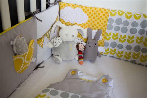 plafond chambre bébé la chambre de bébé est prête mon à sotte
