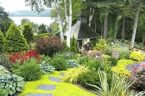 Schöne Sträucher Für Kleine Gärten by Kleiner Garten Wie Anlegen Neu Terrasse Gestalten Kleinen