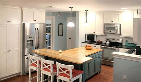 t shaped kitchen islands this t shaped kitchen island with wood countertop