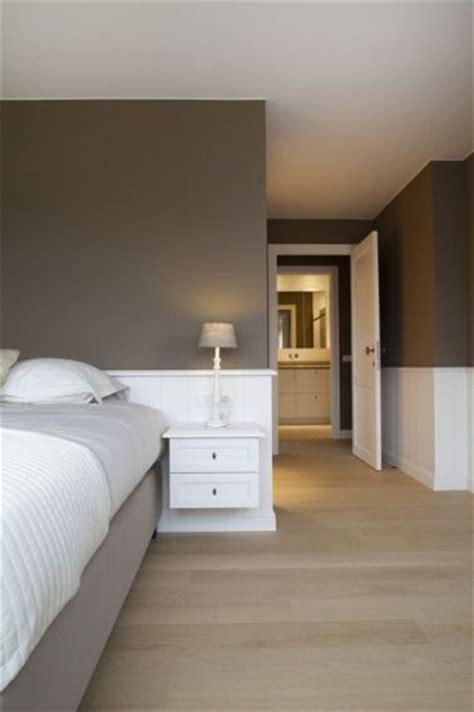 couleur chambre taupe clair et blanc pour déco design