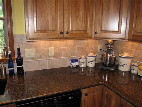 kitchen backsplash pictures with oak cabinets best 20 kitchen tile backsplash with oak ideas on