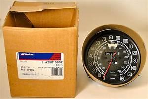 1977 Corvette Complete Speedometer Genuine Gm 25015662 Nos