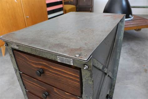 Vintage Industrial Möbel by Eisenkasten Industrial M 246 Bel Antik Zone At