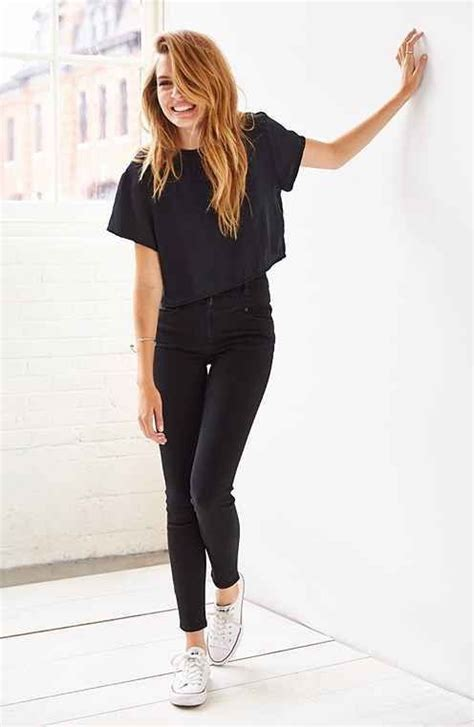 How To Wear High Waisted Jeans (Outfit Ideas) 2018   FashionTasty.com