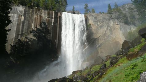 Vernal Falls Yosemite California Usa Beautiful Places