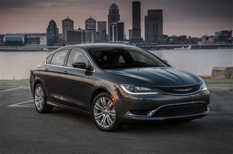 chrysler  reviews  rating motortrend
