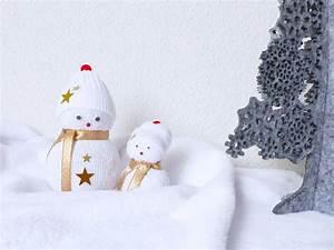 Chaussette A Neige : diy de no l 1 les bonhommes de neige en chaussettes autourdemarine ~ Teatrodelosmanantiales.com Idées de Décoration