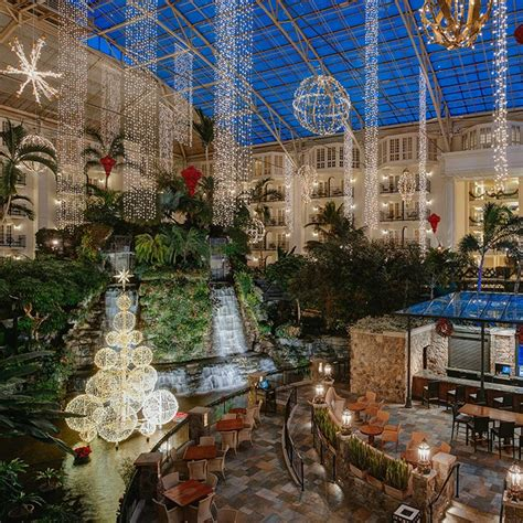 opryland hotel lights what to see do in nashville this season grand