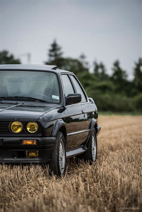 Bmw Car Wallpaper Photography Backdrops by The Bmw 325ix Is The Coolest E30 Of Them All Automakers